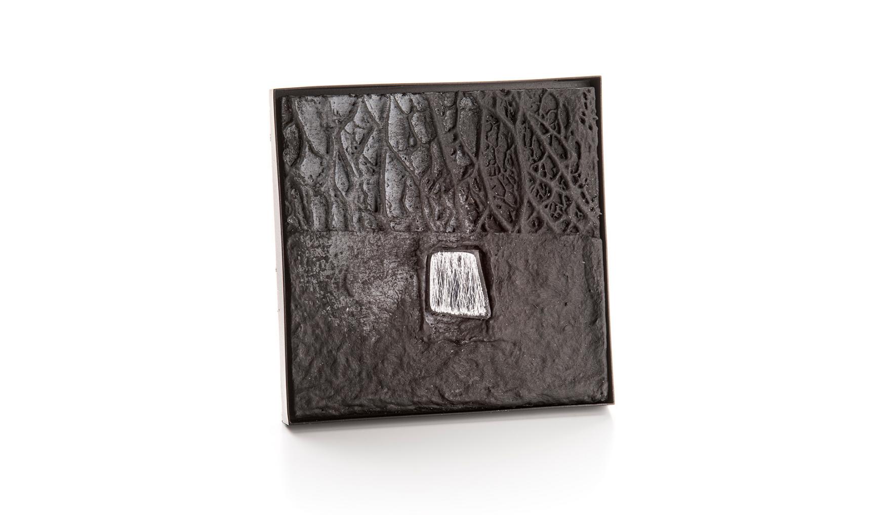 Corrado De Meo, brooch, Thereza Pedrosa Gallery