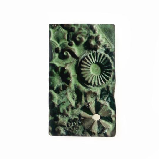 Carla Riccoboni, Green brooch, Madreforme collection, Thereza Pedrosa gallery, Asolo