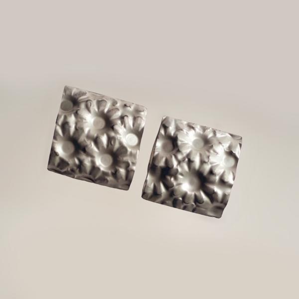 Carla Riccoboni, Fiorellini, earrings, Madreforme collection, Thereza Pedrosa gallery, Asolo